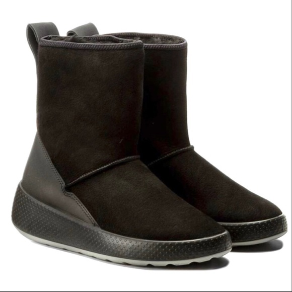 Ecco Ukiuk shearling boot,worn one hour on a shoot